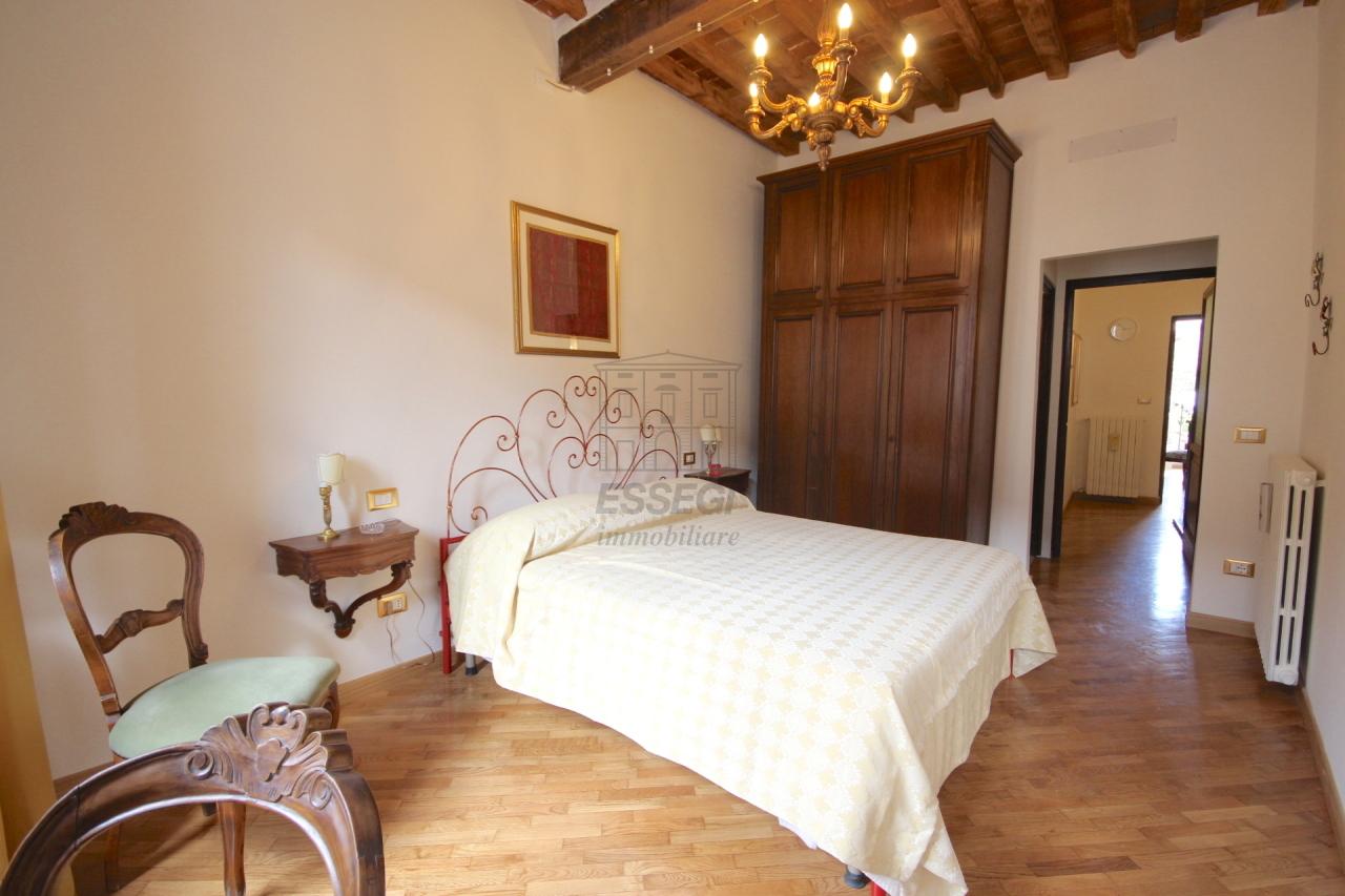 Appartamento Lucca Centro storico IA03309 img 8