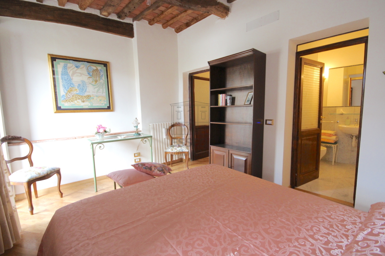 Appartamento Lucca Centro storico IA03309 img 14