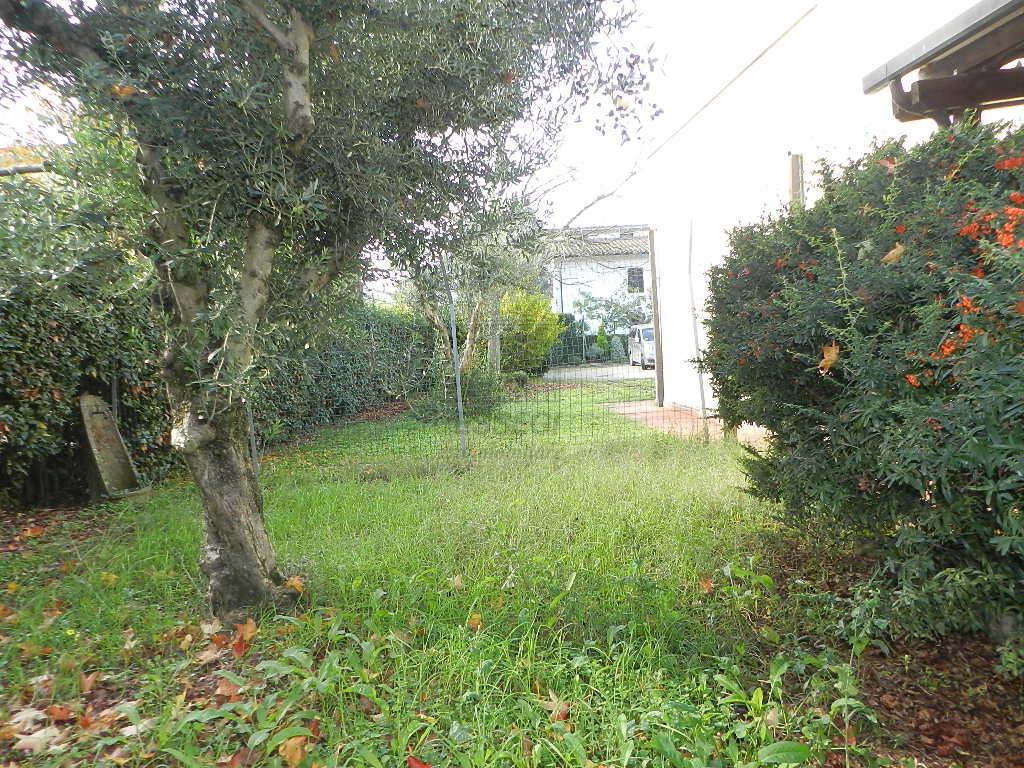 Villetta a schiera Lucca Nozzano Castello IA03219 img 8