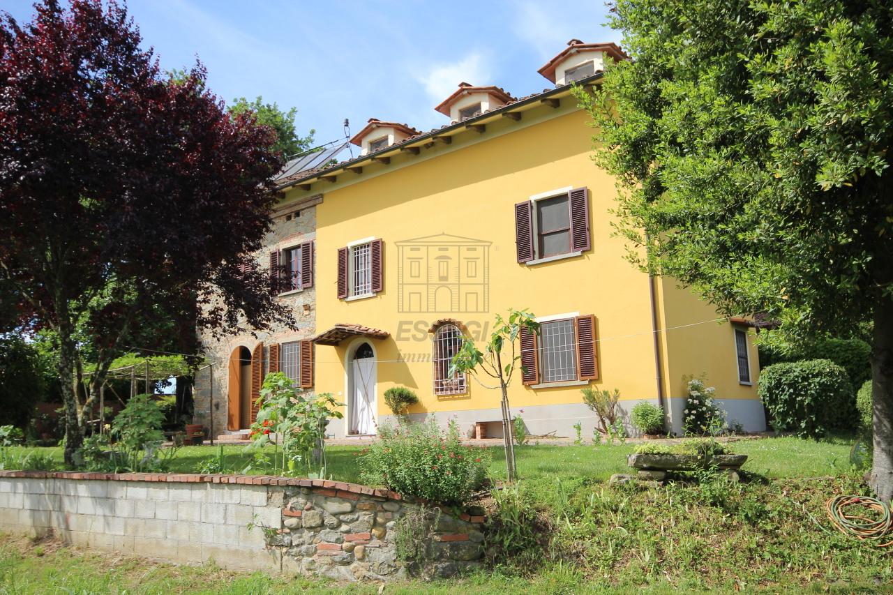 Rustico / Casale in vendita a Altopascio, 10 locali, prezzo € 350.000   Cambio Casa.it