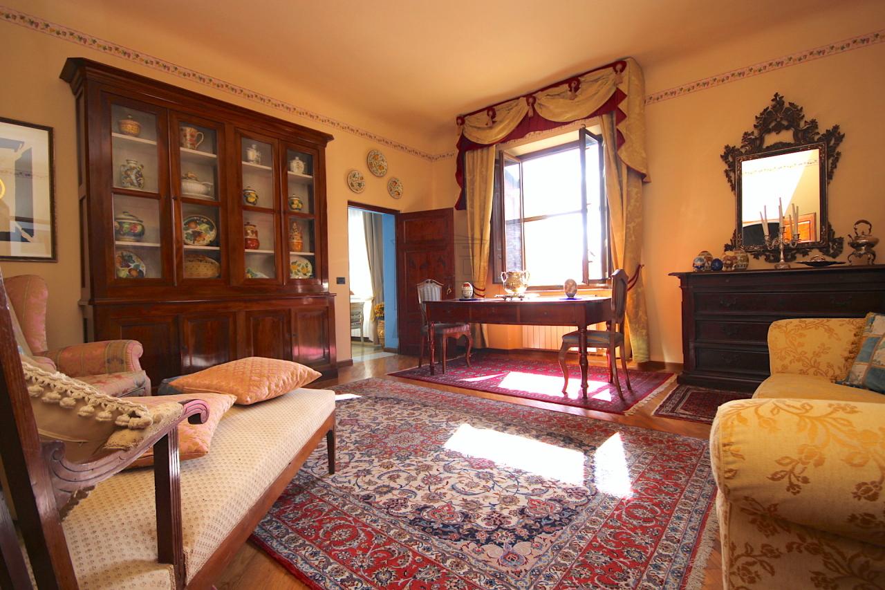 vendesi appartamento centro storico lucca 4.JPG