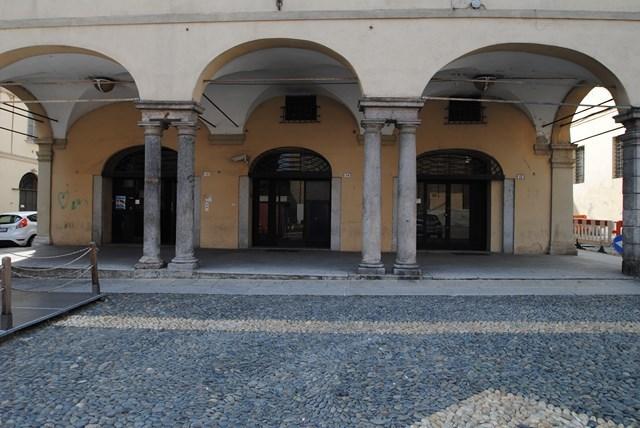 Negozio / Locale in Vendita a Pavia