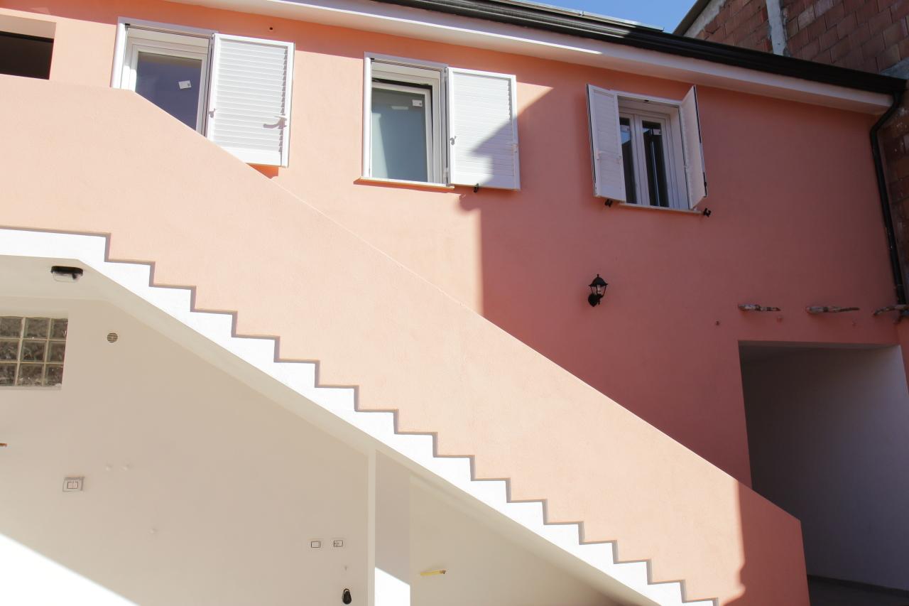 Ufficio / Studio in affitto a San Sperate, 4 locali, prezzo € 550 | CambioCasa.it