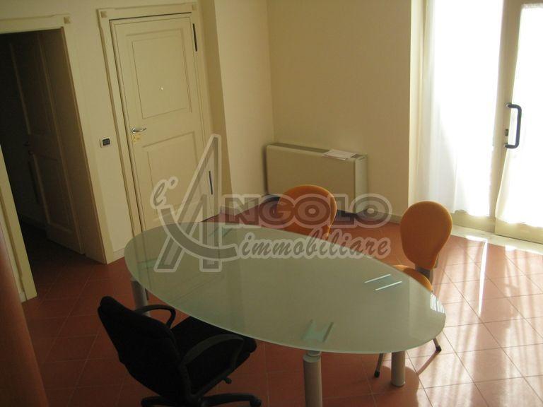 Ufficio diviso in ambienti/locali in vendita - 40 mq