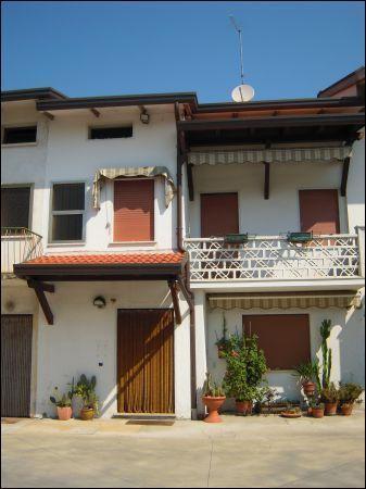 Soluzione Indipendente in vendita a Castelfranco Veneto, 5 locali, prezzo € 170.000 | Cambio Casa.it