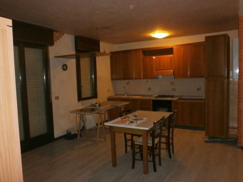 Appartamento in affitto a Lonigo, 4 locali, prezzo € 450 | Cambio Casa.it