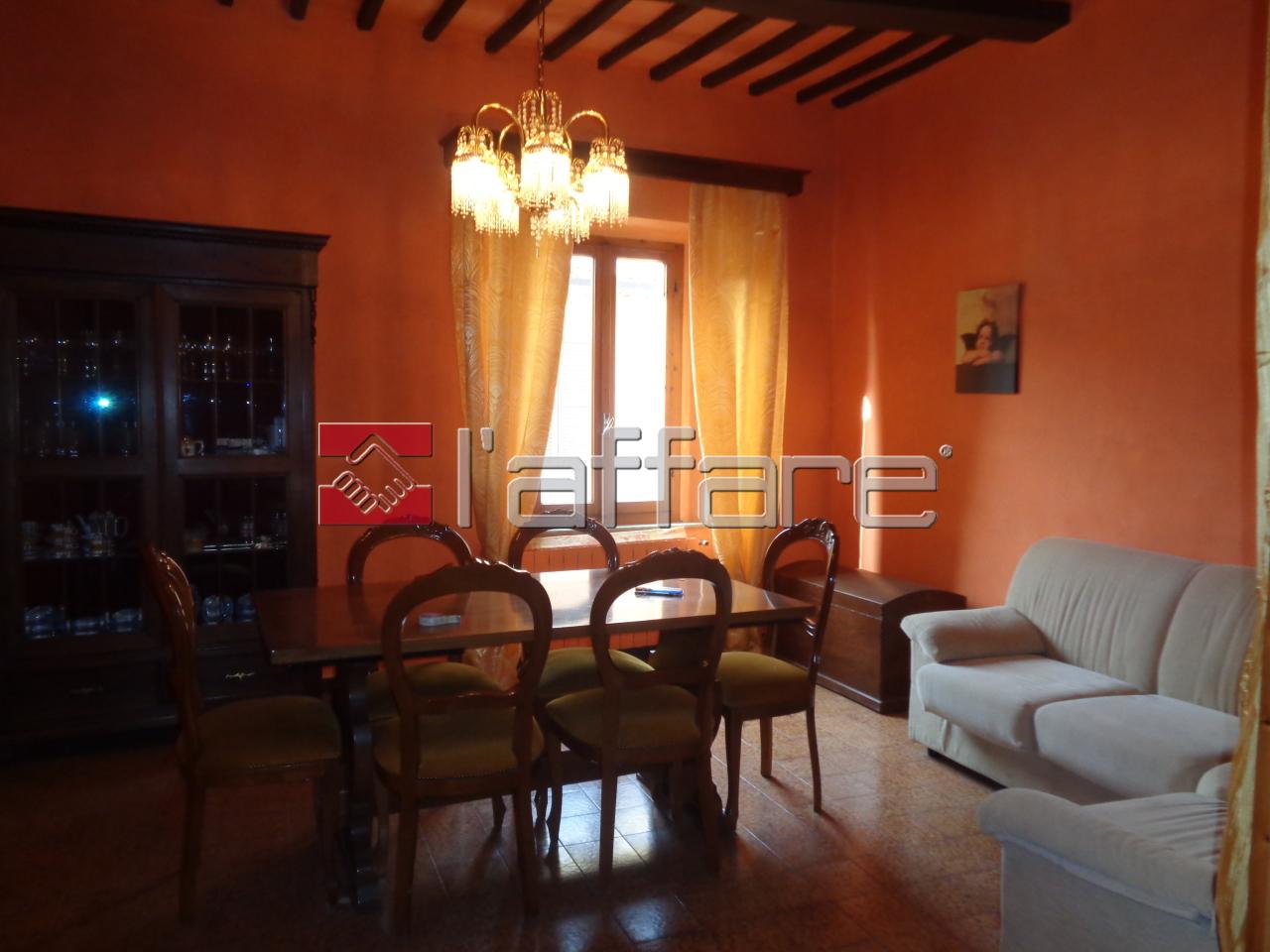 Appartamento in affitto a Terricciola, 7 locali, prezzo € 420 | CambioCasa.it