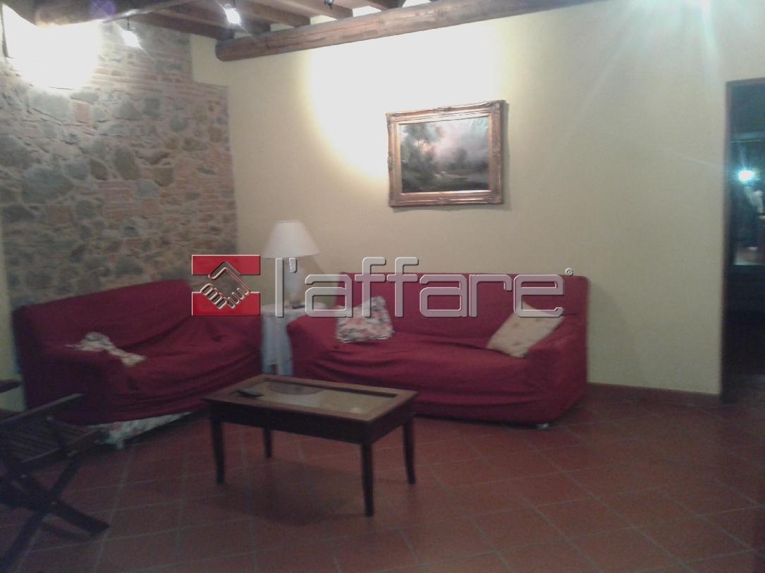Appartamento in affitto a Chianni, 6 locali, prezzo € 550 | CambioCasa.it