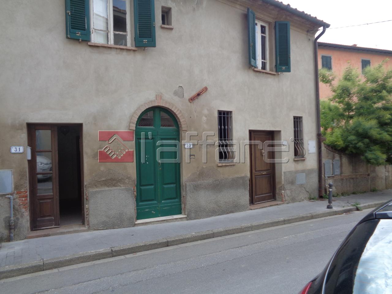 Appartamento in vendita a Capannoli, 6 locali, prezzo € 68.000   CambioCasa.it
