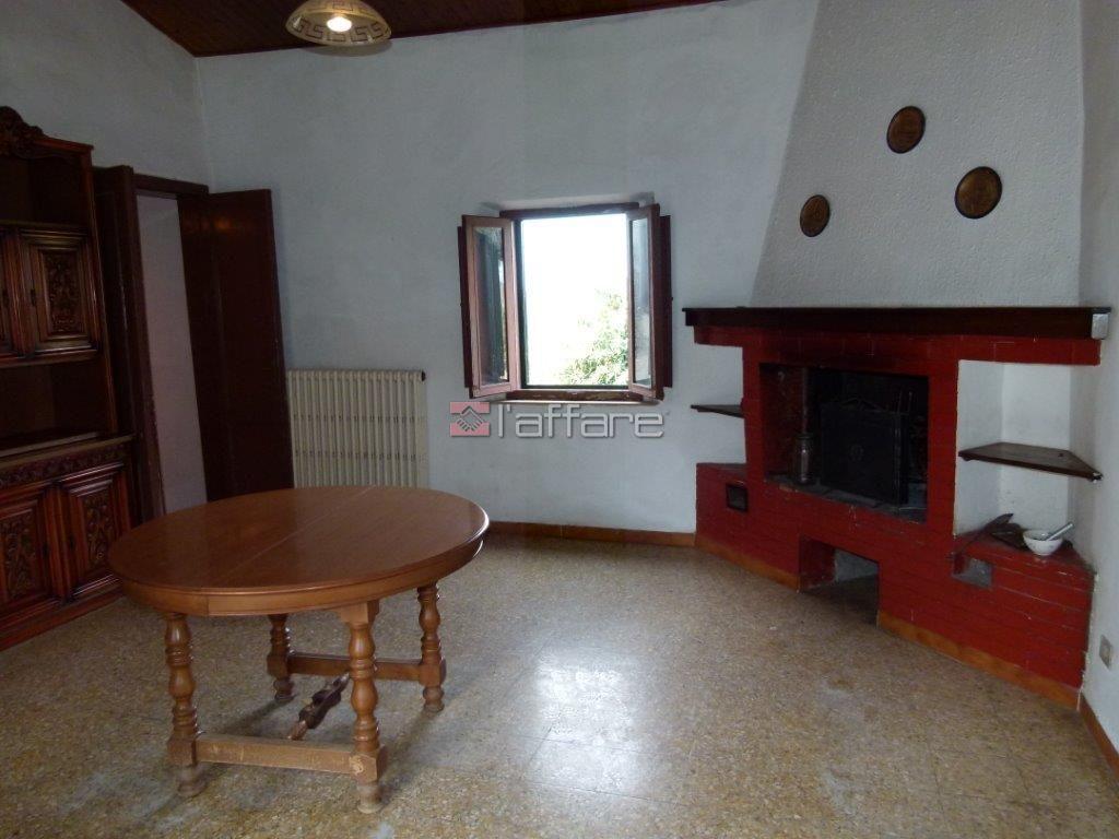 Appartamento in vendita a Crespina Lorenzana, 4 locali, prezzo € 75.000 | Cambio Casa.it