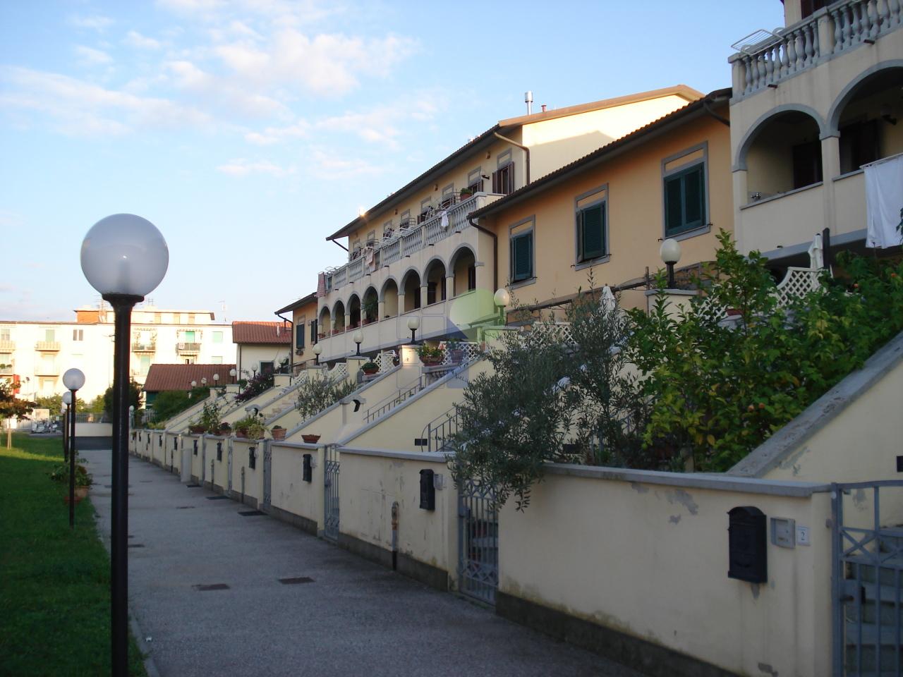 Bilocale Livorno Via Poli 13