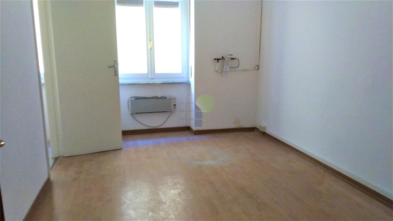 Ufficio in affitto a centro livorno case in vendita e for Centro ufficio