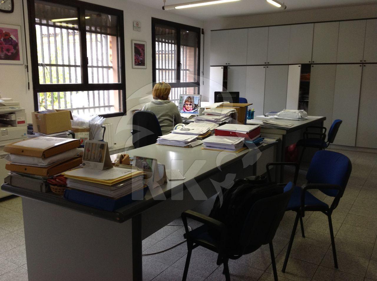 Ufficio / Studio in vendita a San Pietro in Casale, 4 locali, prezzo € 145.000 | CambioCasa.it