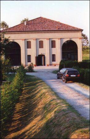 Rustico / Casale in vendita a Ferrara, 12 locali, Trattative riservate | CambioCasa.it