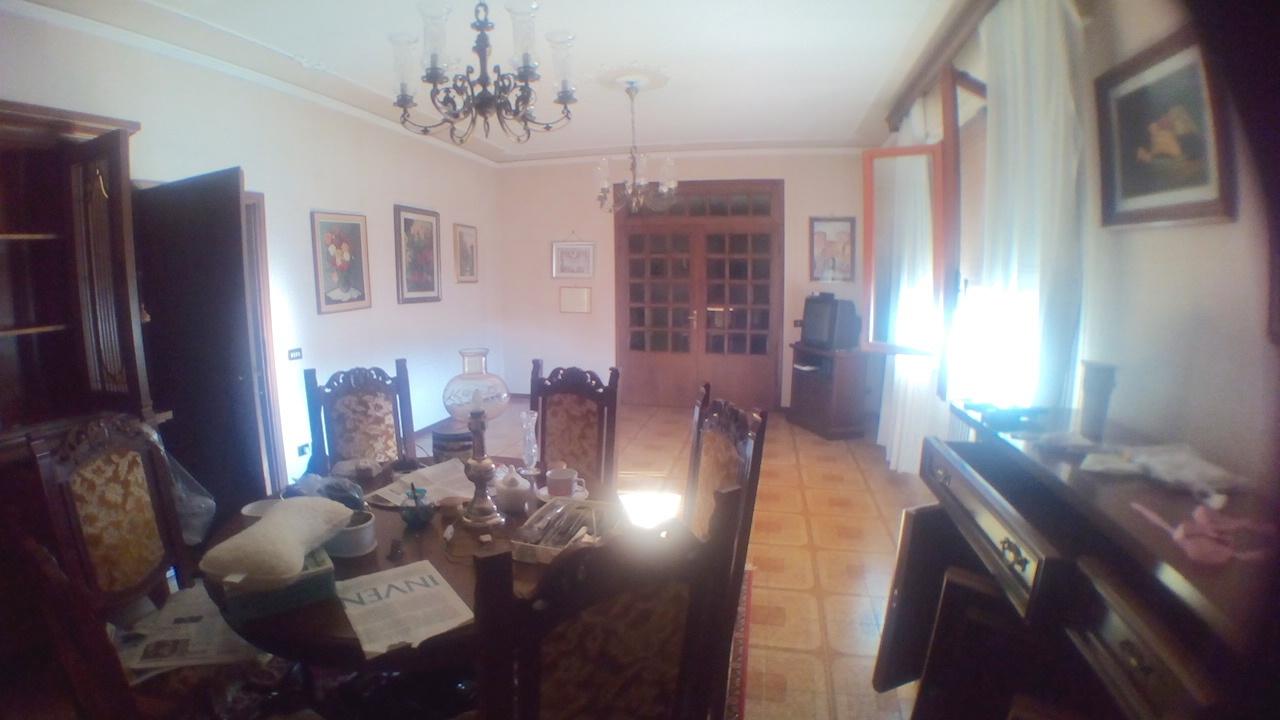 Villa in vendita a Ponte Buggianese, 10 locali, prezzo € 320.000   Cambio Casa.it