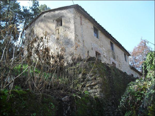 Villa in vendita a Buti, 5 locali, prezzo € 80.000   Cambio Casa.it