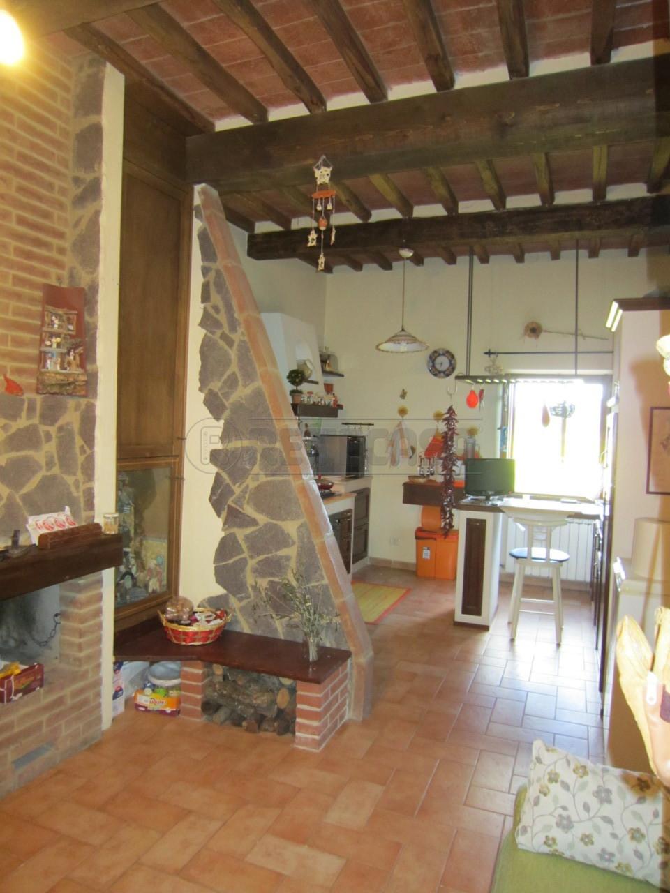 Rustico / Casale in Vendita a Monteroni d'Arbia