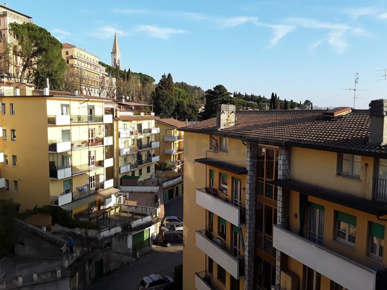 Appartamento in vendita a Perugia, 4 locali, prezzo € 145.000 | Cambio Casa.it
