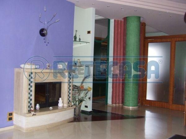 Appartamento in affitto a Mercato San Severino, 4 locali, prezzo € 600 | Cambio Casa.it