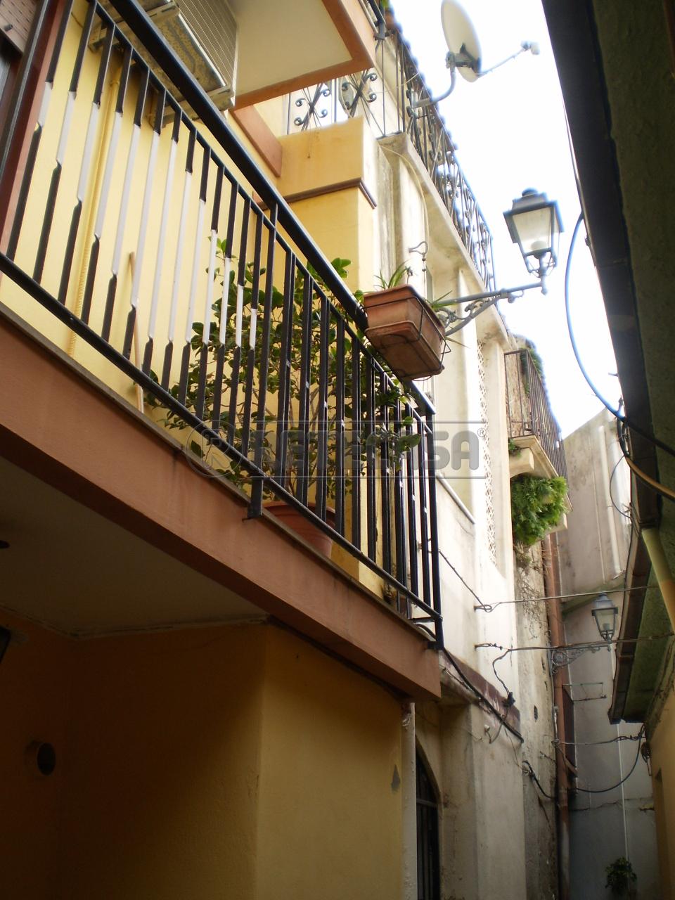 Soluzione Indipendente in affitto a Messina, 3 locali, prezzo € 300 | Cambio Casa.it