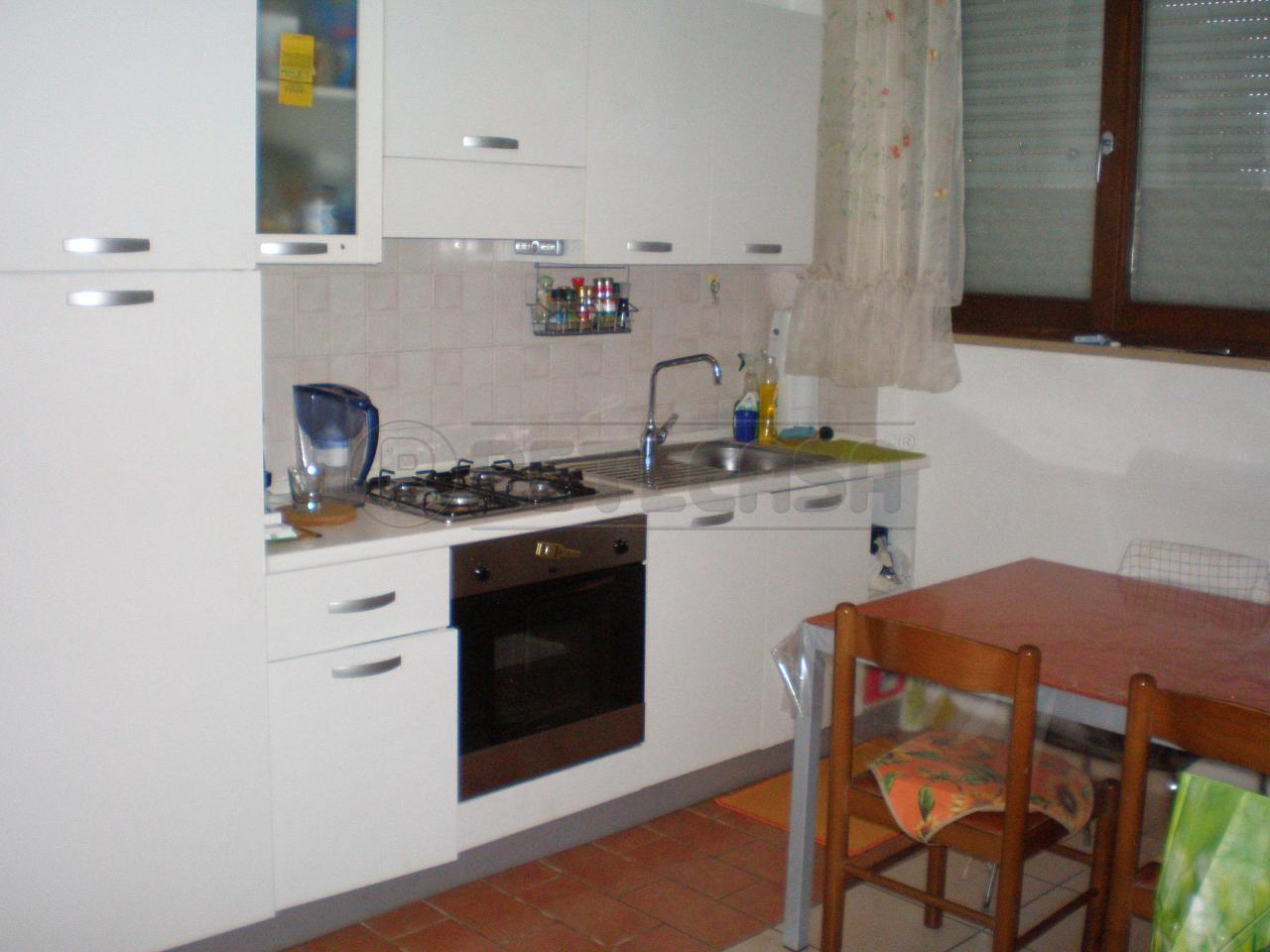 Bilocale Ancona Via Volta 1