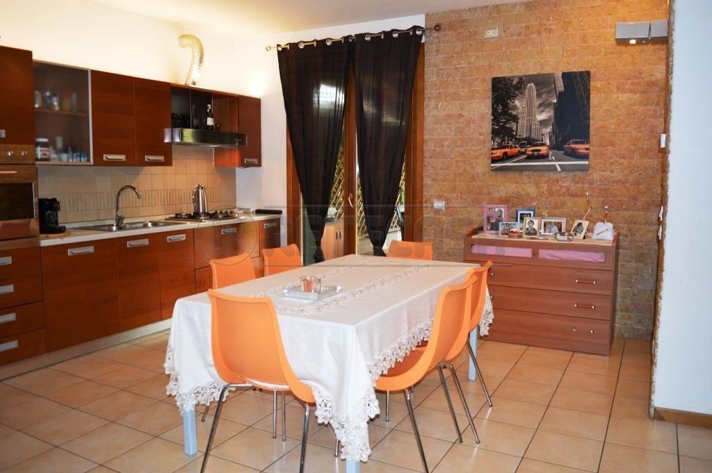 Appartamento in vendita a Montecchio Maggiore, 4 locali, prezzo € 156.000 | Cambio Casa.it
