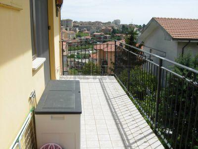 Bilocale Ancona Via Candiani 1