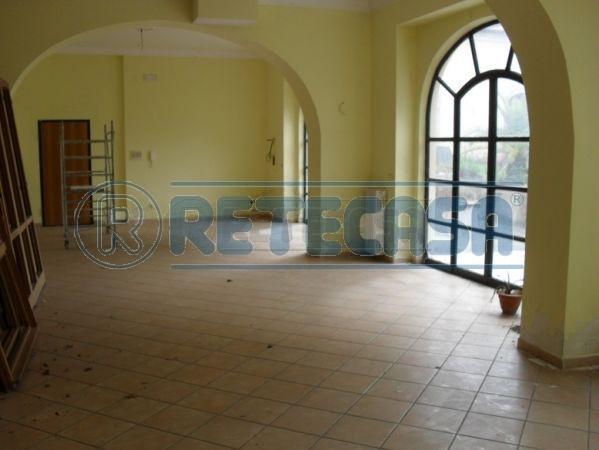 Negozio / Locale in affitto a Montoro, 1 locali, prezzo € 1.250 | Cambio Casa.it