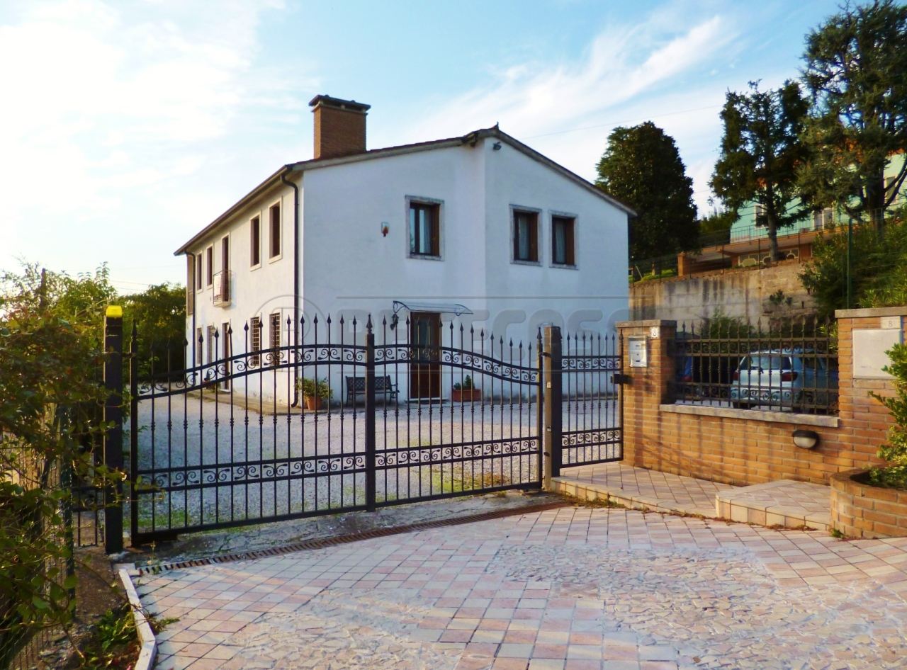 Villa in Vendita a Gambellara