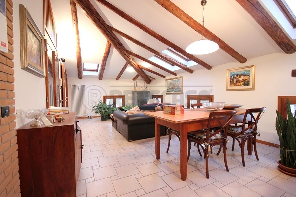 Appartamento in vendita a Longare, 6 locali, prezzo € 145.000 | Cambio Casa.it