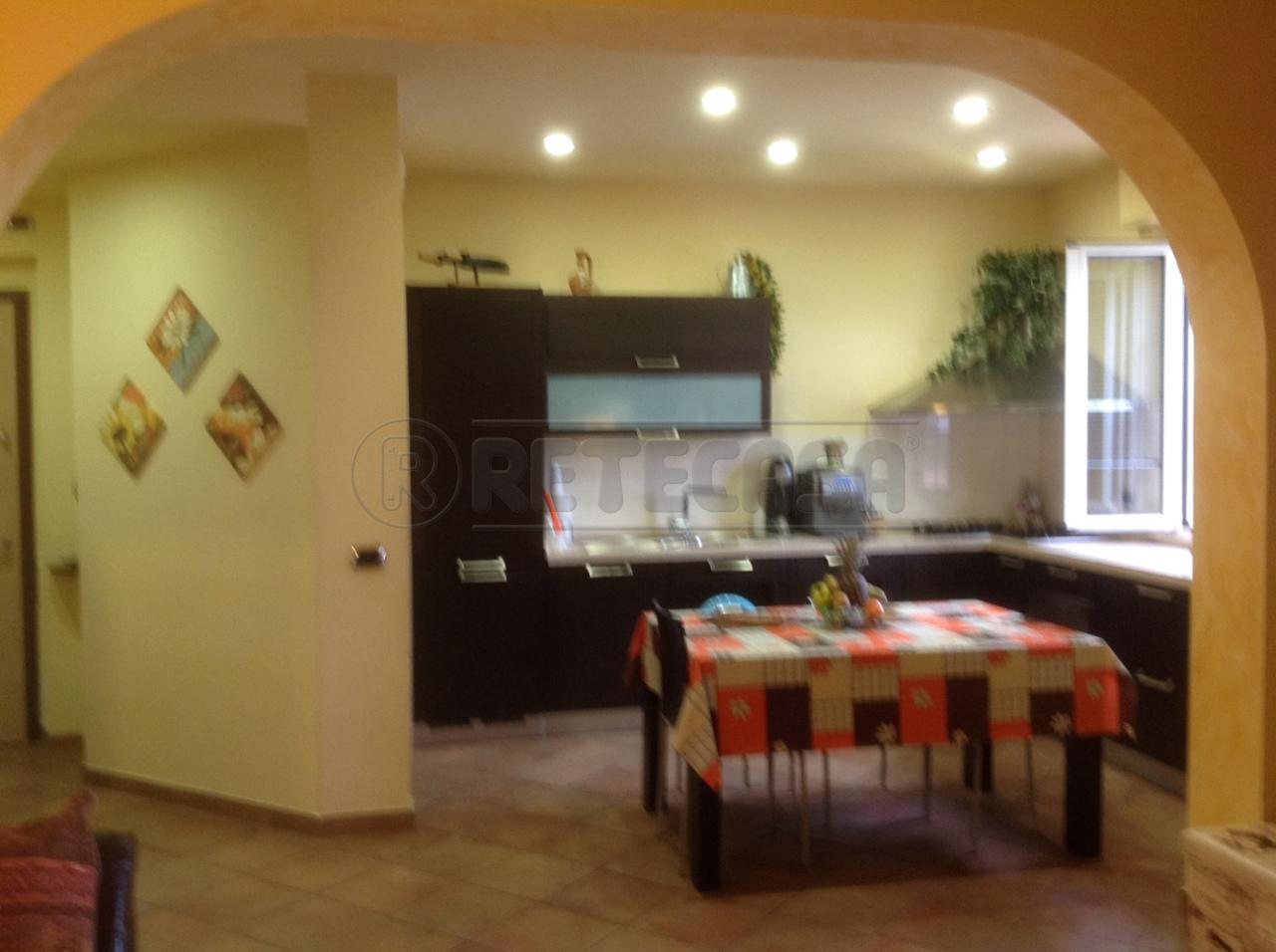 Bilocale in vendita a Ancona in Via Redi