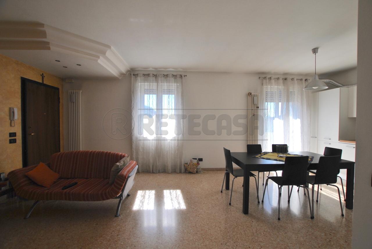 Appartamento in affitto a Cornedo Vicentino, 9999 locali, prezzo € 430 | Cambio Casa.it
