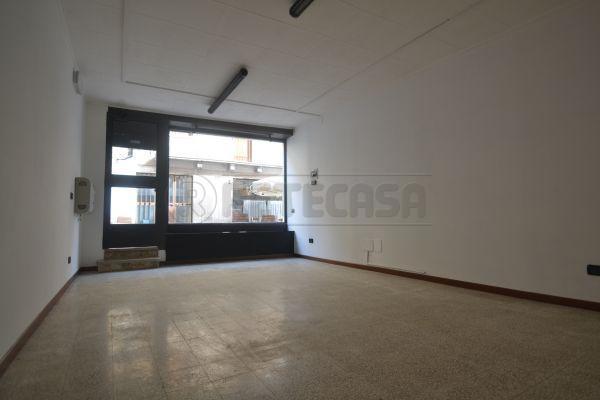 Negozio / Locale in affitto a Valdagno, 9999 locali, prezzo € 350 | Cambio Casa.it