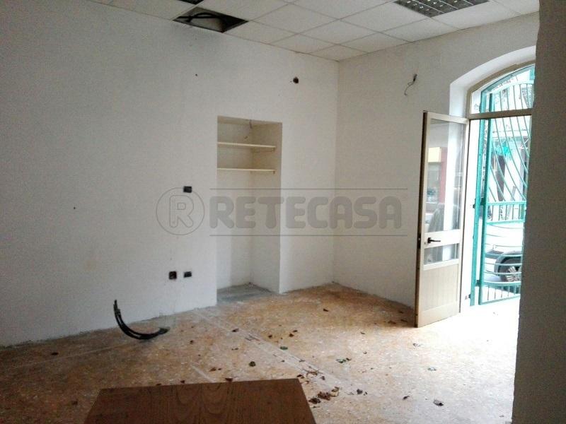 Negozio / Locale in affitto a Montoro, 1 locali, prezzo € 180 | Cambio Casa.it