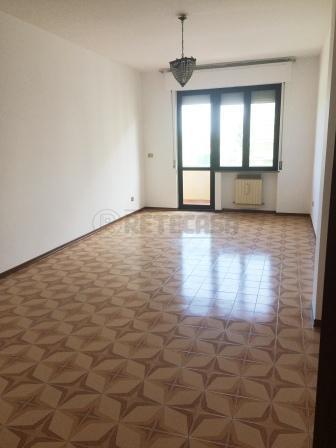 Appartamento in affitto a Pescara, 4 locali, prezzo € 500 | Cambio Casa.it