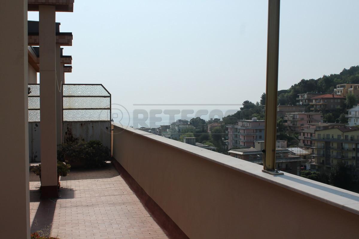 Attico / Mansarda in vendita a Borghetto Santo Spirito, 9999 locali, prezzo € 220.000 | Cambio Casa.it