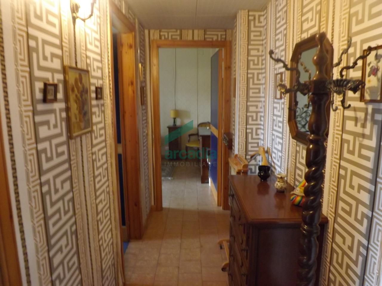 Bilocale Bari Via Luigi Marinelli Giovene 18 12