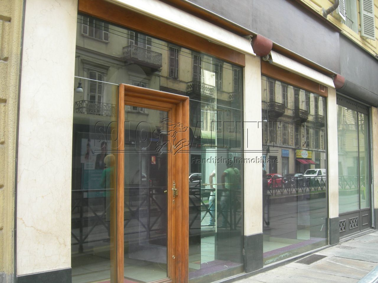 Negozio / Locale in affitto a Torino, 2 locali, prezzo € 1.500 | CambioCasa.it