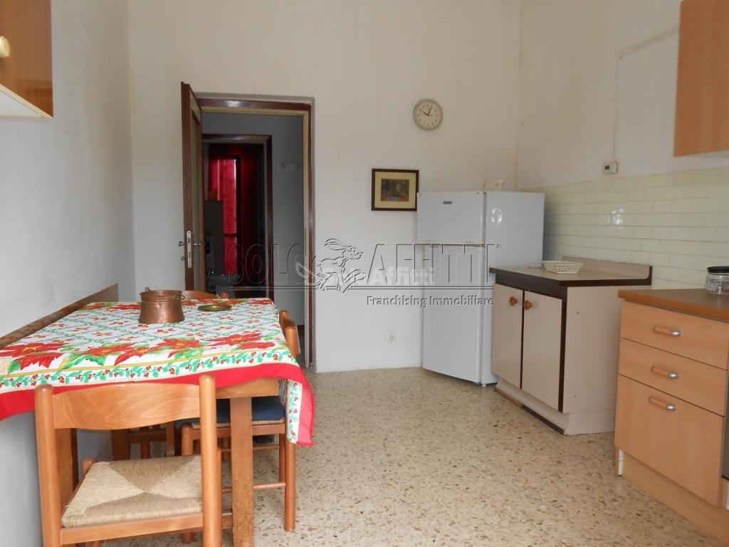 Bilocale Pavia Via Gravellone (borgo Ticino) 3