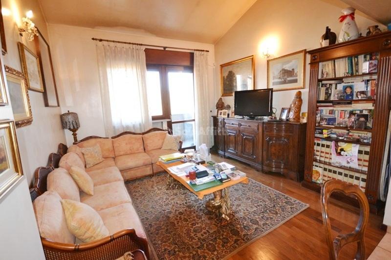 Affitto appartamento attico arredato for Affitti rivoli arredato