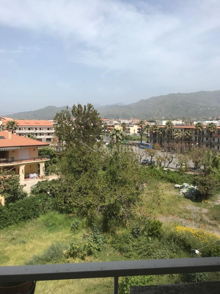 giardini-naxos affitto quart: recanati gri.vir. immobiliare di grimaldi carmine
