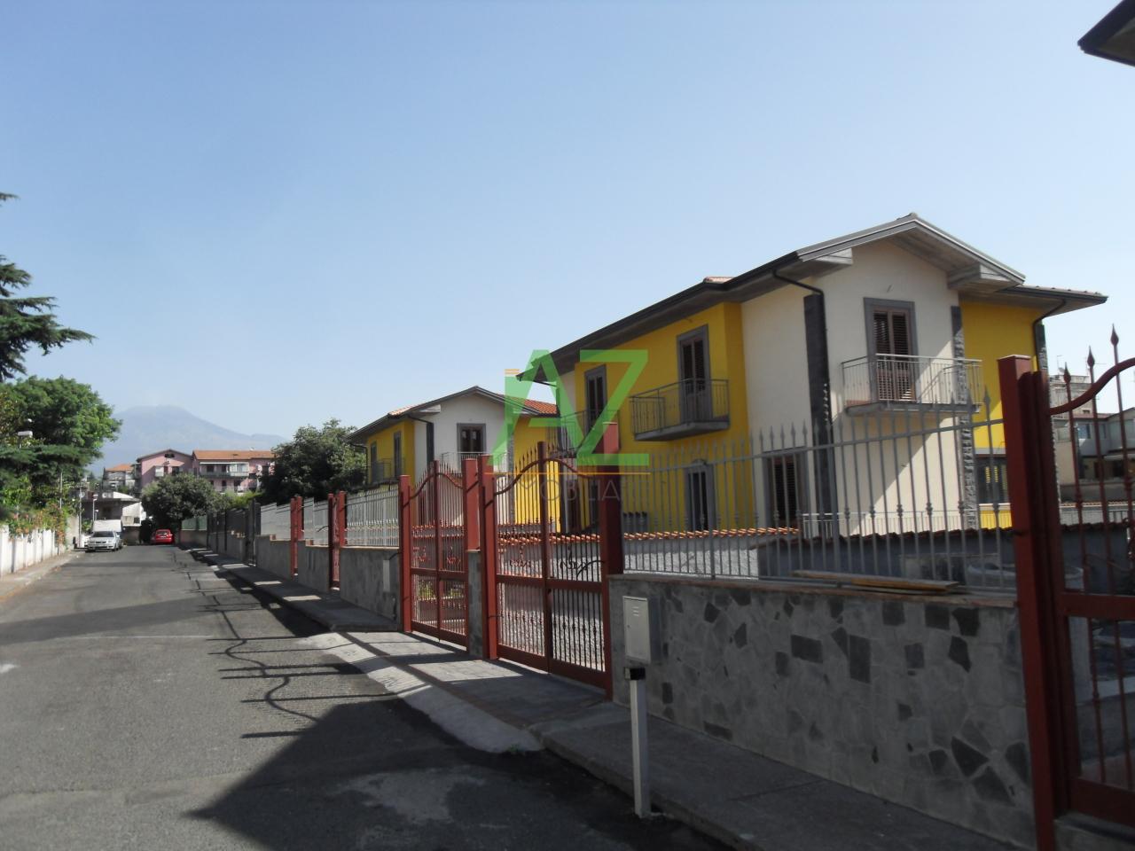 vendita villa gravina di catania   275000 euro  4 locali  180 mq