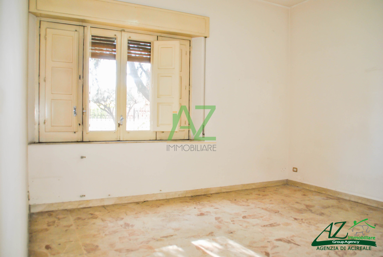 Ufficio / Studio in affitto a Santa Venerina, 4 locali, prezzo € 400   Cambio Casa.it