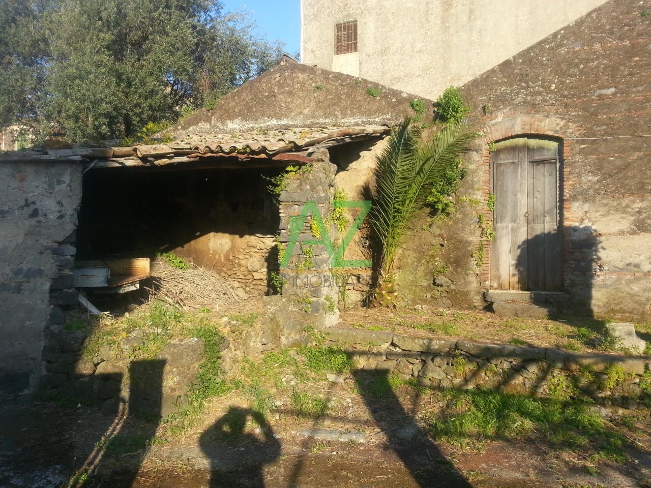 Rustico / Casale in vendita a Acireale, 4 locali, prezzo € 39.000   Cambio Casa.it