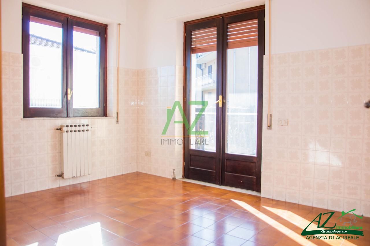 Appartamento in affitto a Acireale, 5 locali, prezzo € 500 | Cambio Casa.it