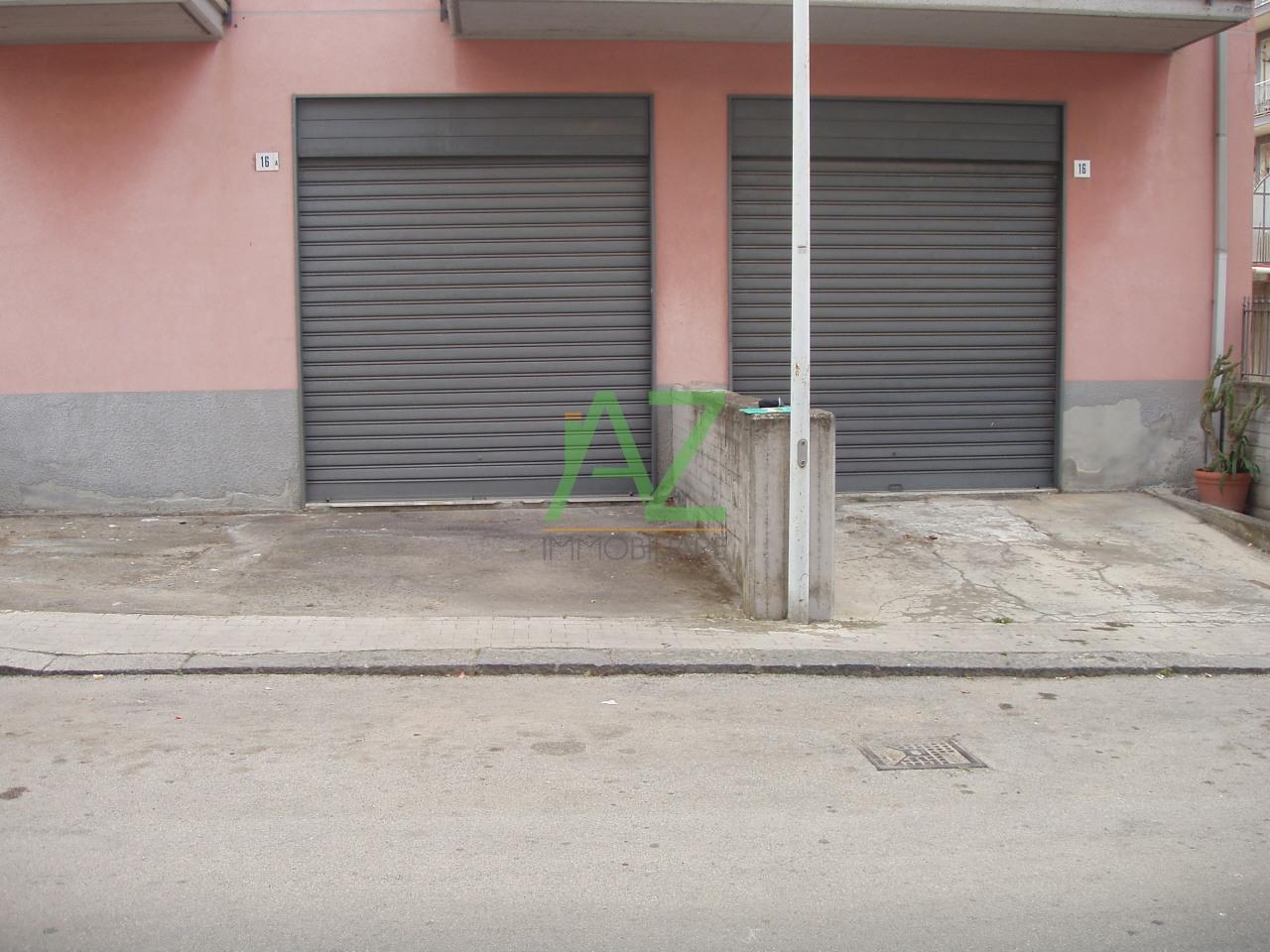 Negozio / Locale in affitto a Misterbianco, 9999 locali, prezzo € 700 | Cambio Casa.it