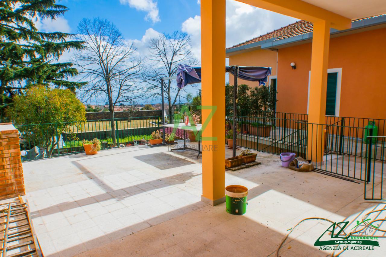 Appartamento in vendita a Aci Sant'Antonio, 5 locali, prezzo € 155.000 | Cambio Casa.it
