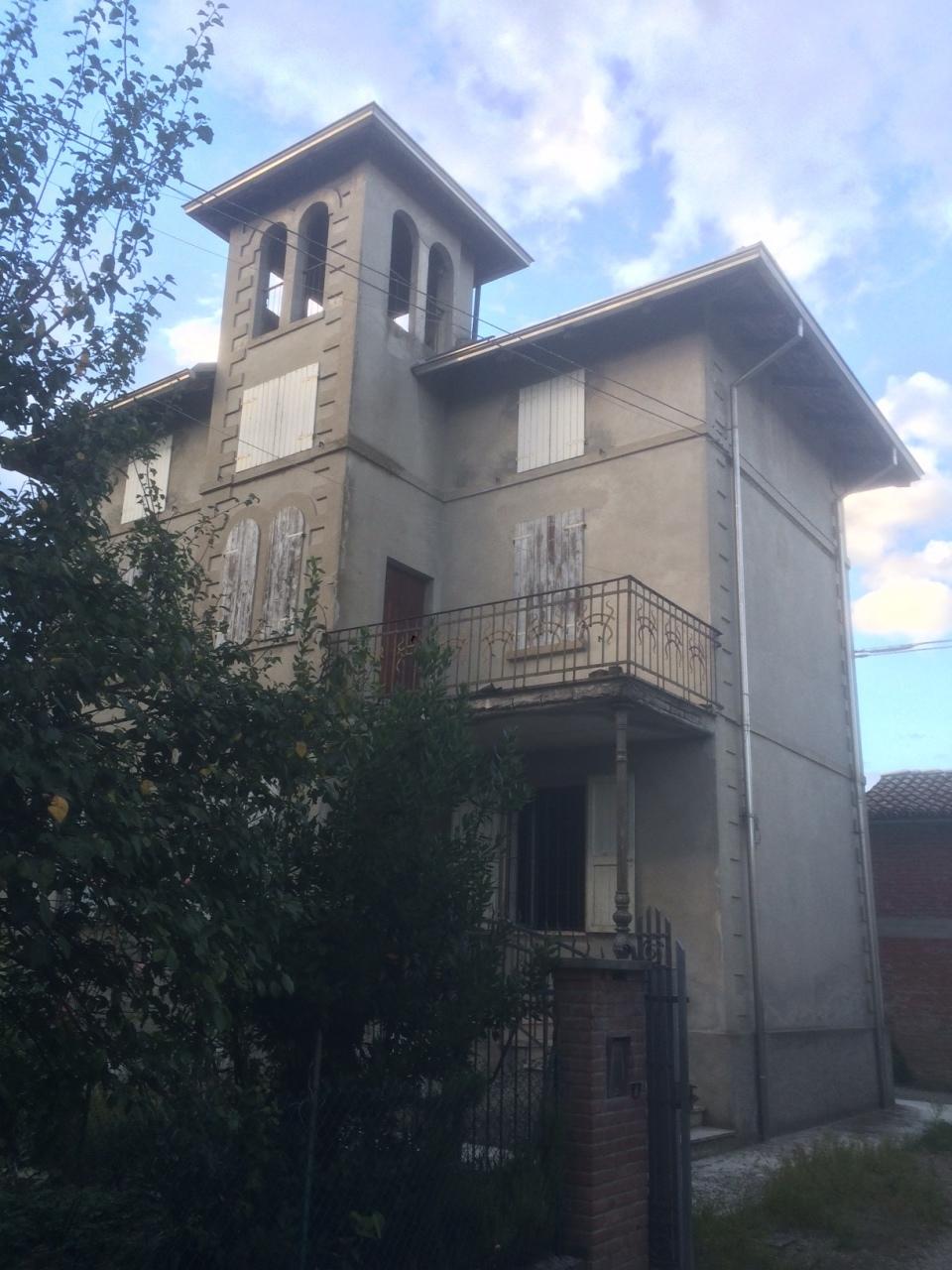 Villa in vendita a Noceto, 5 locali, prezzo € 175.000 | Cambio Casa.it