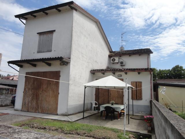 Soluzione Indipendente in vendita a Roccabianca, 5 locali, prezzo € 70.000 | Cambio Casa.it