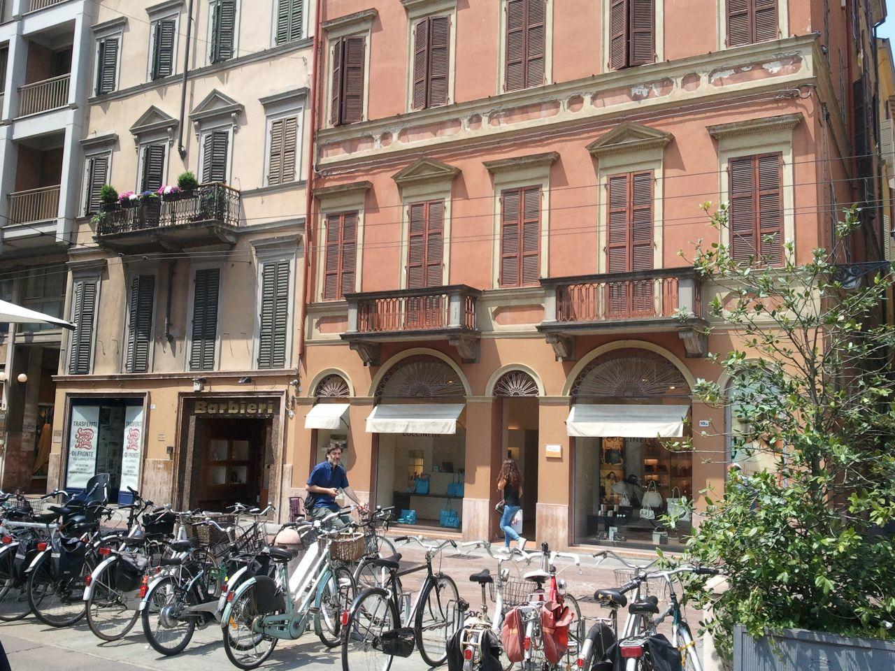 Bilocale Parma Strada Garibaldi 4